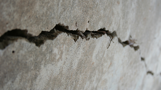 Sell my home with cracked foundation